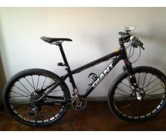 HIGH END MOUNTAIN BIKE CARBON