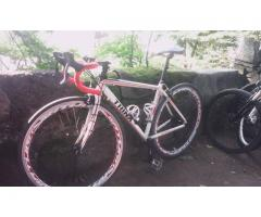 Trinx R800 Road Bike