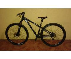 Mountain Bike Orig Giant Revel 0 29er 18k only negotiable