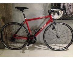 REPRICED! - Good buy road bike, size M, Shimano 105