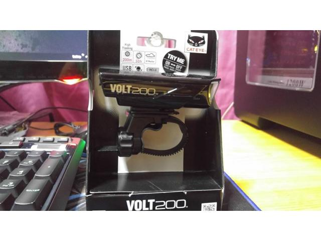 For Sale Brand New Cateye VOLT 200