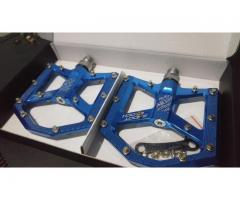 For Sale Brand New Da Bomb Shoot Block Flat Pedal ( Blue)