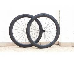 EXtremeLight Carbon Wheels With DT-Swiss 240s