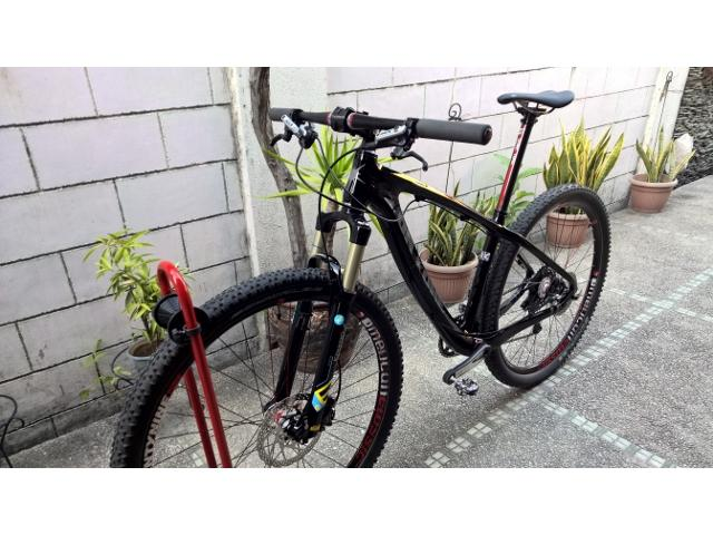 SOLD -On One Lurcher Carbon Bike