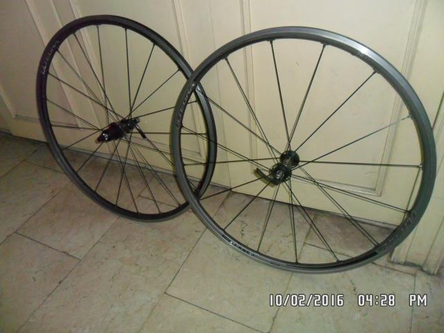 SALE!!! Shimano Ultegra Road Wheelset (10, 11 speed)